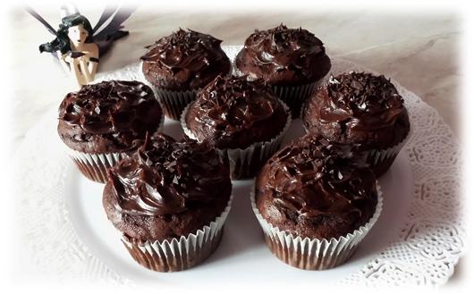Muffins al cacao e ganache al gianduia